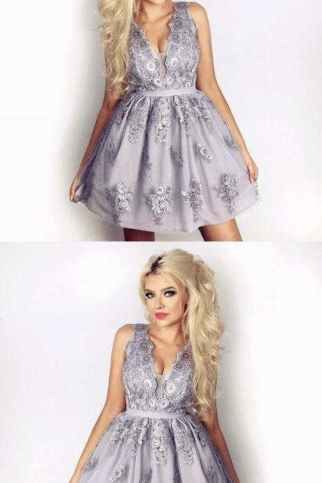 V-Neck A-Line Light Grey Lace Short Homecoming Dress with Appliques